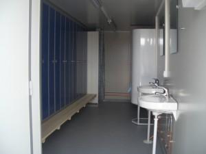 Skabsvæg til venstre - Håndvaske til højre