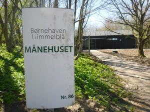 Månehuset er en del af Børnehaven Himmelblå i Randers Kommune.