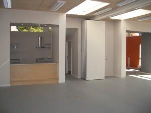 Mobile vægge gør det muligt at opdele den indvendige del i mindre rum.