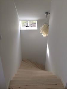 Trappen mellem de to etager.