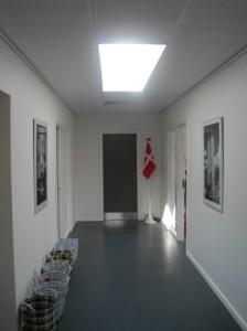 Forbindelsesgangen giver adgang til de indvendige rum.