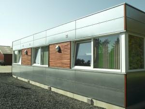 Døre og vinduer er i PVC.
