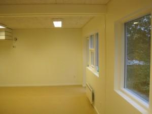 Klasselokale udført i allergivenlige materialer.